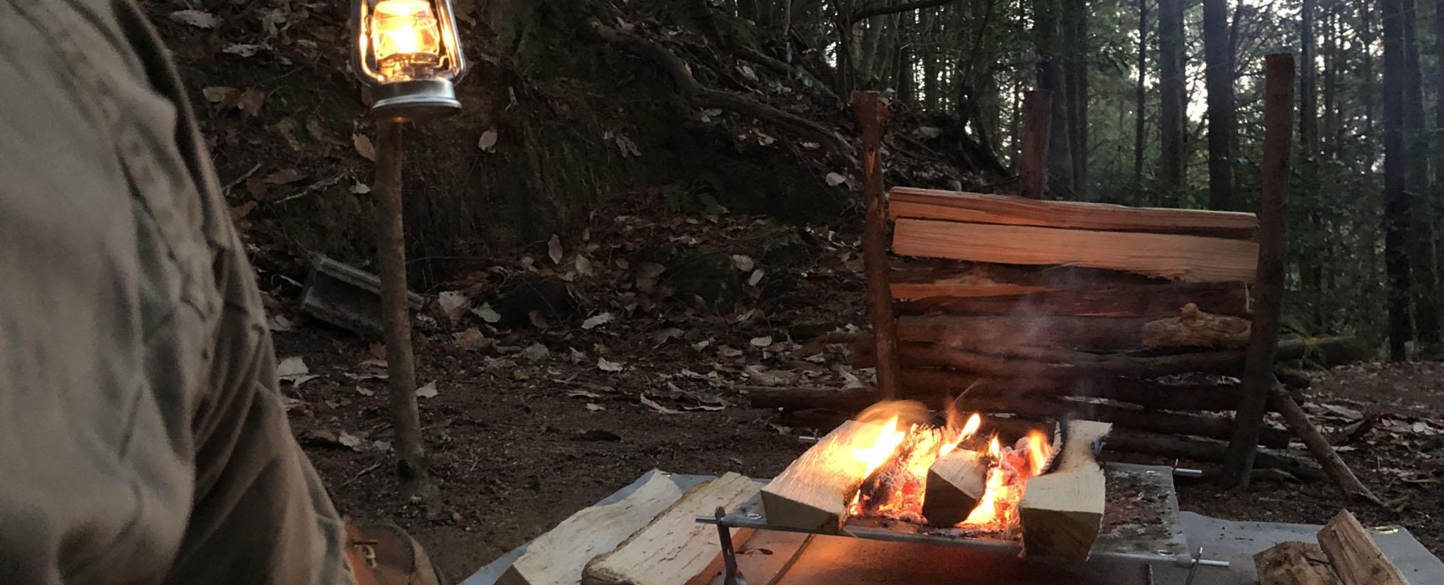 ソロキャンプの焚火